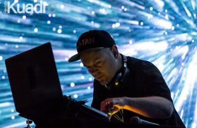 DJ Shadow9
