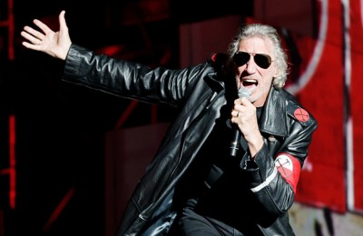 2405869-roger-waters-the-wall-617-409