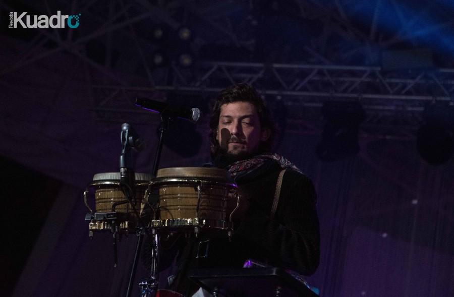 León Larregui