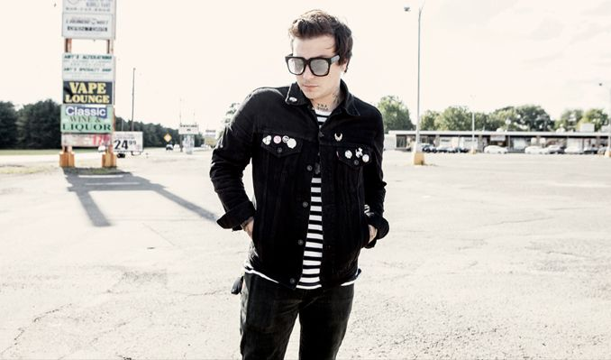 frank-iero-and-the-patience_09-06-16_19_57cf27c8b3449