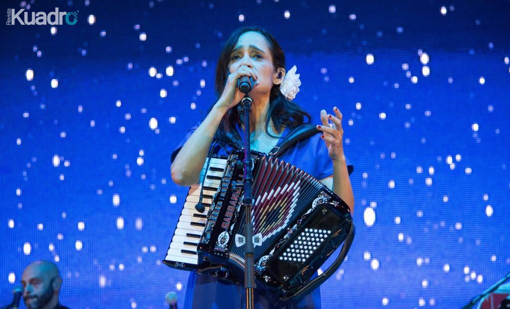 Julieta Venegas (por Emilio Sandoval)