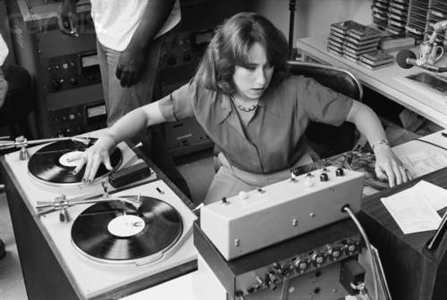 13 Jul 1978 --- KRE Radio Disc Jockey Joanne Rosenweig --- Image by © Roger Ressmeyer/CORBIS