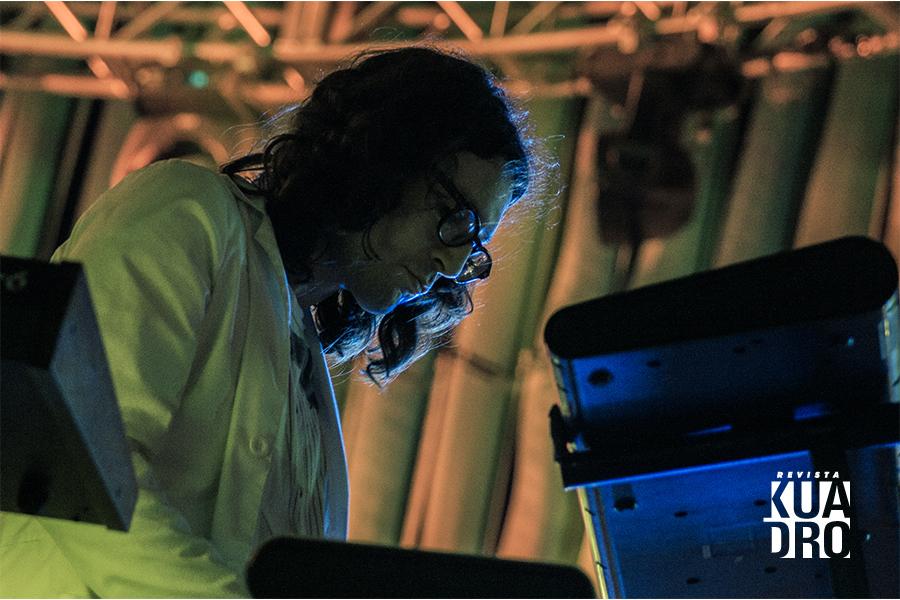 Trópico-Javier Soto- neon
